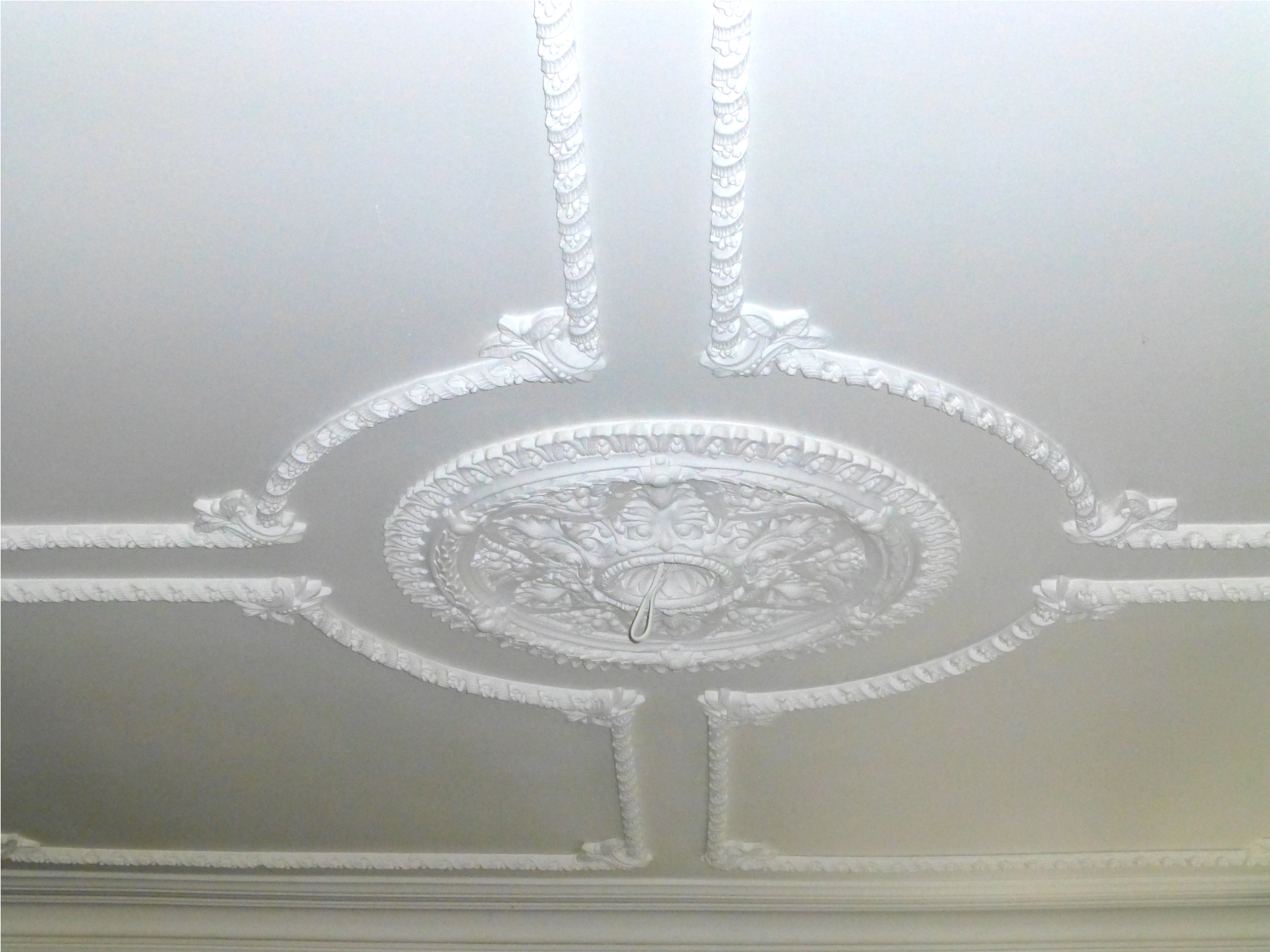Cornice cleaning 8